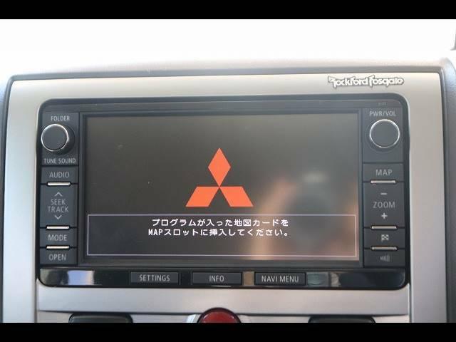 純正HDDナビを装備。フルセグTV、ブルートゥース接続、DVD再生可能、音楽の録音も可能です。