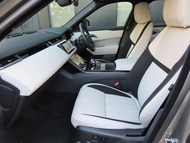 スウェードクロス・パーフォレイテッドグレインレザーシート 12way電動調整シート・シートヒーターをメーカーオプションとして装着しています。