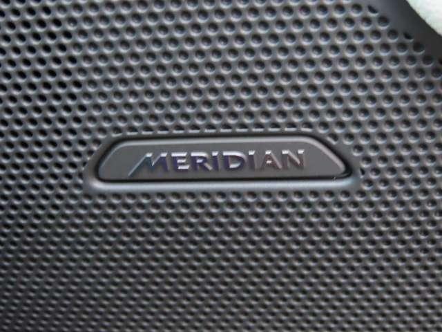 英国の老舗オーディオブランド「MERIDIAN」のサウンドシステムを搭載。素敵なドライブには素敵な音楽も必須ですね!