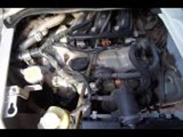 エンジン部画像です。およそ15km、試乗も致しましたが、エンジンは吹け上がりもよく異音や白煙もありません。オートマもスムーズに変速します。冷暖房も問題ありません。