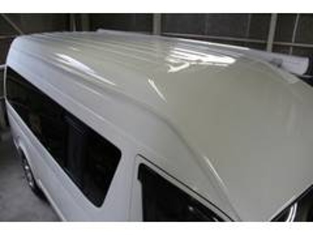 Aプラン画像:塗装面の上にガラス被膜を形成させて長期にわたりボディーを保護します。ボディーの磨きを行なった上にガラス被膜を塗布いたします。またメンテナンスキット、施工証明書もセットとなっております。