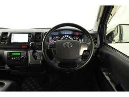 各スイッチが運転席側に集約されています。