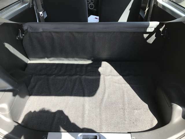 リア席のシートアレンジで大きなお荷物も乗せることが可能です♪