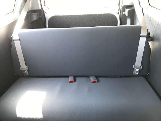 【後部座席】目立った傷や汚れはなく、とても綺麗な状態です♪
