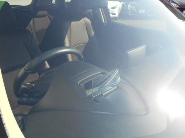 アクティブ・ドライビング・ディスプレイで目線も外さず運転でき、事故による誤操作等を防ぎます!