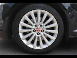 18インチ  Manraアロイホイールは乗り心地にも配慮され設計されております。足元のドレスアップのみならず、車内の快適性にも貢献しています。