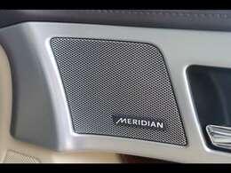 MERIDIANサウンドシステムを搭載。バランスの取れた位置に配置されたスピーカー、専用高出力アンプにより澄みきった高音から深みのある低音まで豊かなサウンドを生み出します。