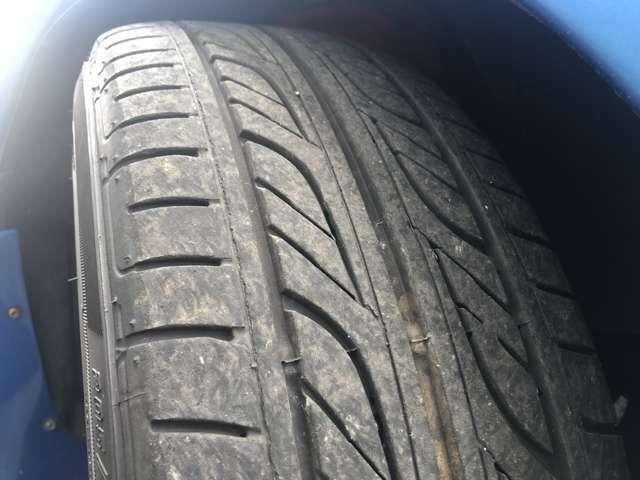タイヤもまだまだ残溝ございます