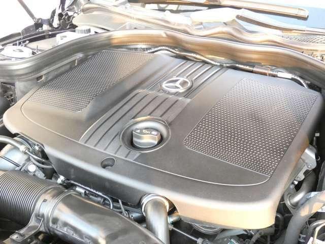燃費効率の良い直列4気筒2,200cc DOHCディーゼルターボチャージャー搭載エンジンです!トルクフルで力強い走りが魅力です!是非一度実際にお乗り頂きご体感下さい!TEL:047-390-1919