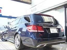 希少なE220ブルーテックワゴン アバンギャルド AMGスポーツ&レーダーセーフティパッケージが入庫しました!外装色に希少なカバンサイトブルーMを配色!内外装ともに程度良好な1オーナー車両です!