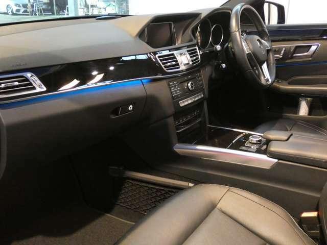 ブラック基調とした車内にブラックアッシュウッドインテリアトリムが採用されています!メルセデス・ベンツ特有の高級感を存分に堪能して頂けるインテリアになります!TEL:047-390-1919
