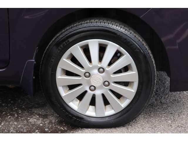 純正14インチアルミホイール タイヤサイズは155/65R14です 残り溝5分