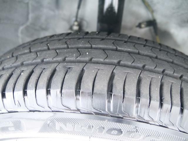 タイヤの溝はこんな感じです!