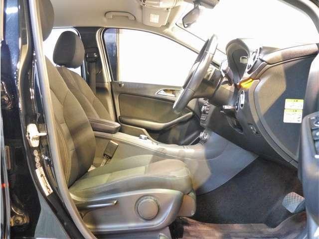 ●可動部位が多く、自分に合ったドライビングポジションが設定できる座り心地の良いシートです♪内外装共にクリーニング済みでとても綺麗な状態です♪前後シート、天張りなどにも気になる汚れなども有りません。