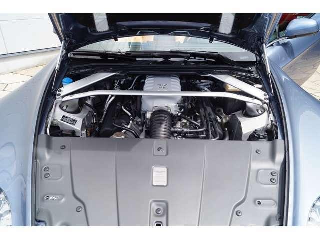 ド迫力の4700ccエンジン。メンテナンスは弊社にて実施の為整備歴もわかります。