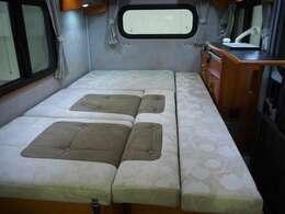 ☆ベッド展開時には1840×1100(mm)もの快適ベッドへ!☆