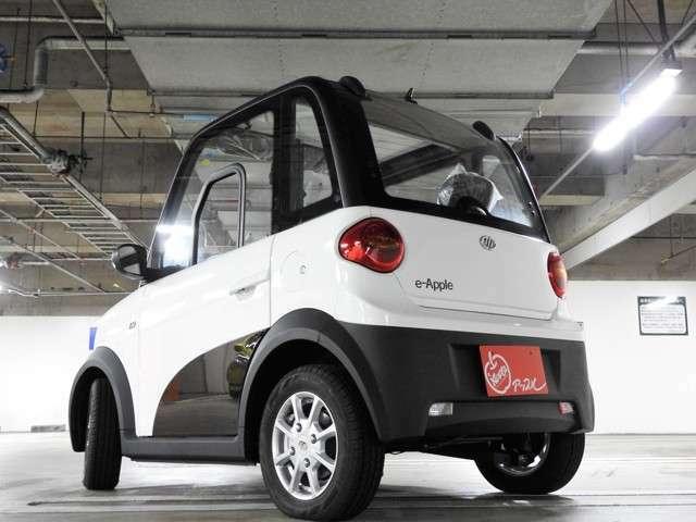 長さ・幅は軽自動車よりもコンパクトなものの、高さは軽自動車と同等以上♪室内はかなりゆったりです♪