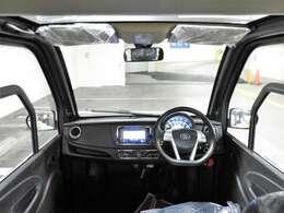 運転席からの目線が高いので視界良好♪運転しやすい一台です♪