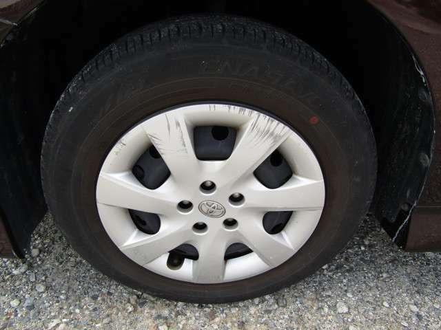 タイヤの山まだあります