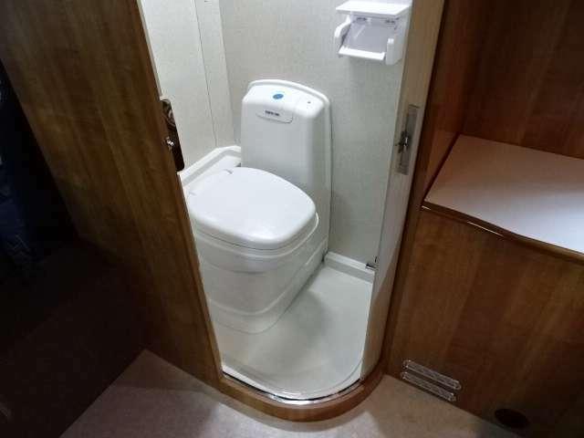 トイレルーム完備♪キャンピングカーの下取り・買取対応可能です!乗換えをお考えの方、手放しをお考えの方お気軽にお問い合わせください♪