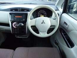フルオートエアコン/運転席シートヒーター/電動格納ミラーが付いています。