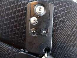 ■スマートキー付きですからドアの開閉も楽々です☆欠かせない装備ですよ☆