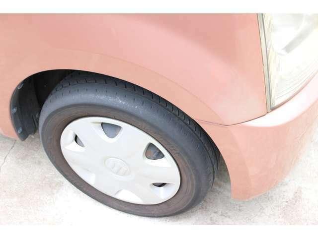 タイヤは小ヒビなども見られる為交換推奨です。