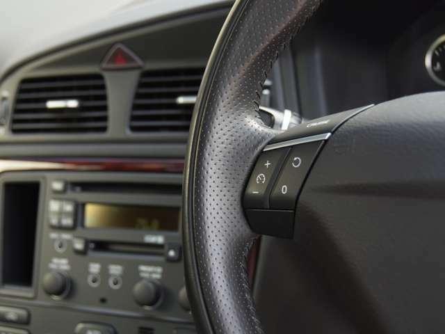エンジンオイルはフランスのMOTUL(モチュール)を使用。各モデルに適合する異なる粘度のオイルをご用意しています。