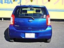 駐車時など後方確認する際に便利なバックカメラ装備です。