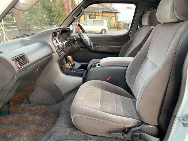 お車の状態はお客様で、試乗してご確認いただけます。気になる傷などはサービスで板金塗装可能です。お問い合わせ先【無料電話】0066-9711-362048まで♪