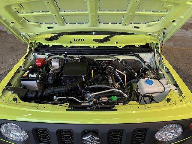 洗練されたエンジンルームは お車の状態の良さを物語っております。