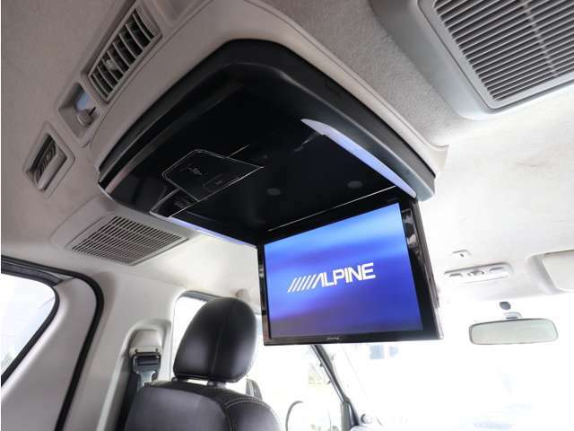 ALPINE 11インチフリップダウンモニター!