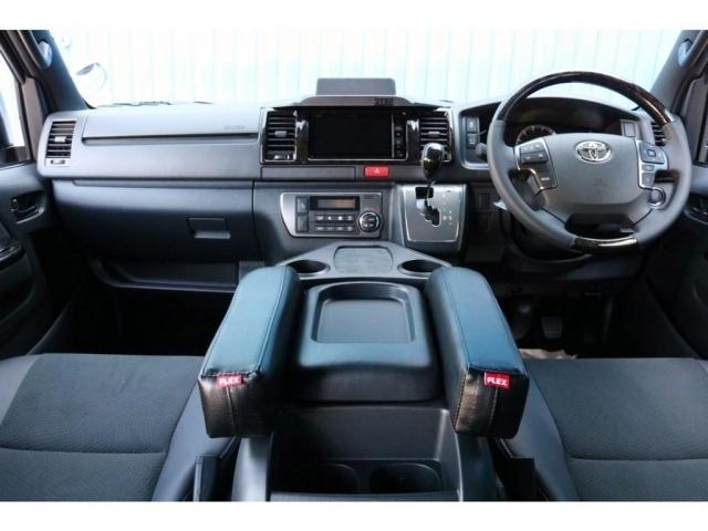 一部改良後 未登録新車 ハイエースV スーパーGL 特別仕様車『ダークプライムII』 2000cc ガソリン 2WD 小窓付き