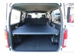 オリジナルベッドキットで車中泊も快適です1