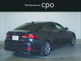 燃費性能の向上やCO2排出量の低減はもちろん、ハイブリッドドライブをスポーティーに愉しめる走行性能を追求しました。
