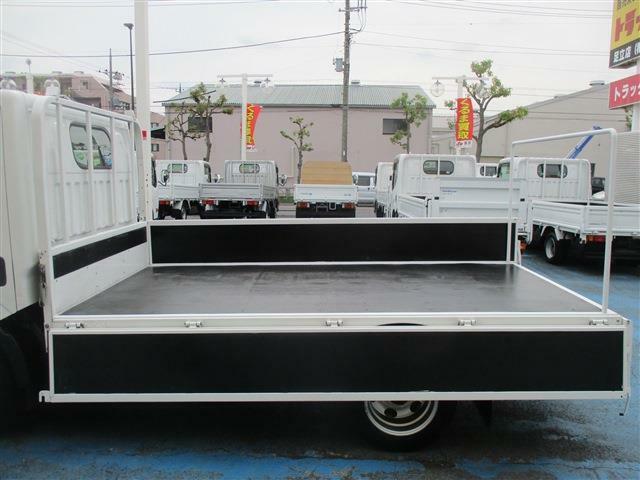 ☆展示仕上げ済み!☆当社の車輌は、1台、1台専門スタッフが念入りに外装仕上げした車輛を展示しております。