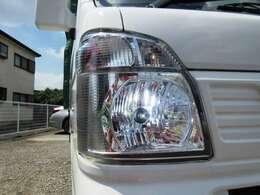 ナイトドライブの味方として人気の社外LEDヘッドライト! 夜間の視界を確保して安全な走行をサポ-トしてくれます。