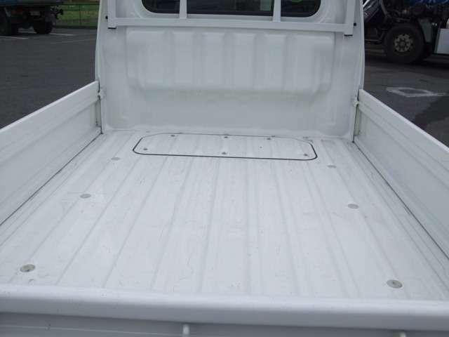 荷台マット、三方アオリゴムも付けられます。