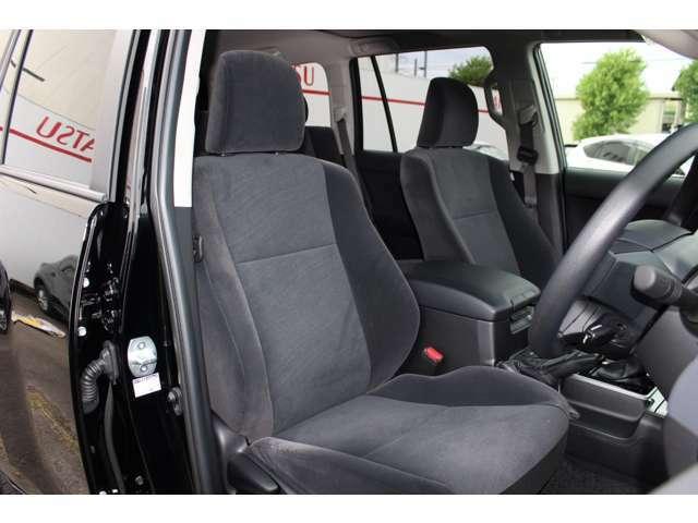 高品質でデザイン性の高いシート☆オプションにてシートカバーはいかがでしょうか?