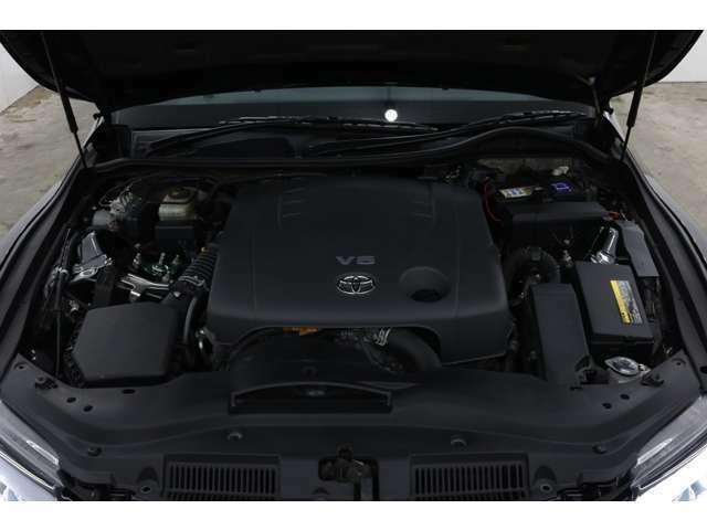 エンジンの調子もばっちりです♪バッテリーなどの消耗品も新品に交換致しますので安心・安全なカーライフをお楽しみいただけます(^^)