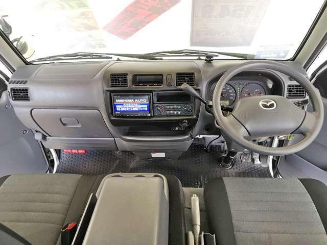 運転席からの視点が高く 長距離もらくらく 内装も綺麗ですよ