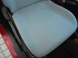 運転席の座面の状態です(^^♪