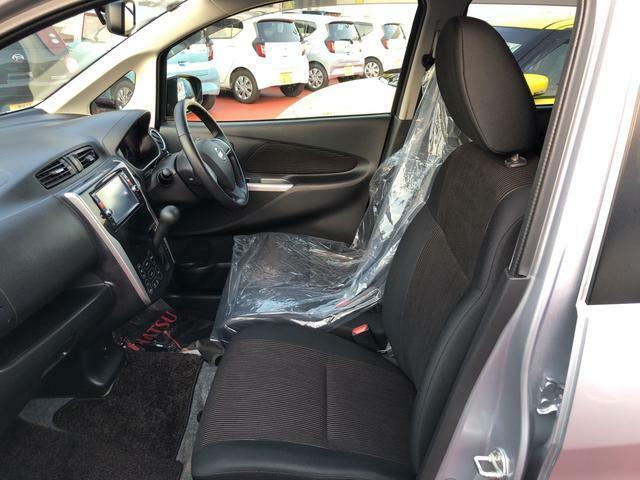フロントシートです。ゆったり運転ができます。長距離ドライブもラクラク♪♪