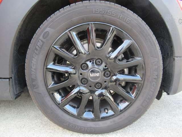 ハンドル操作がタイヤにクイックに伝わり、思い通りの軽快なハンドリングが実現することもゴーカートフィーリングと言われる理由なのです。