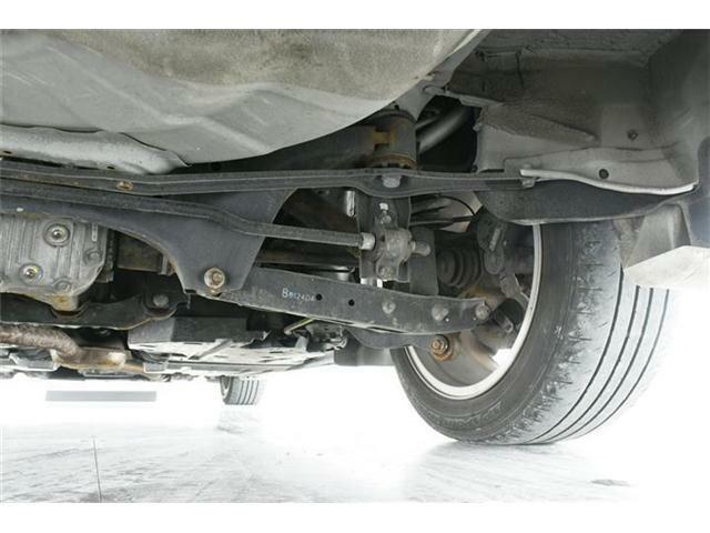 4WDだと気になる足廻り&下廻り・・・ご覧の通り状態良好◎沿岸部や降雪地にお住まいのお客様もご安心ください。