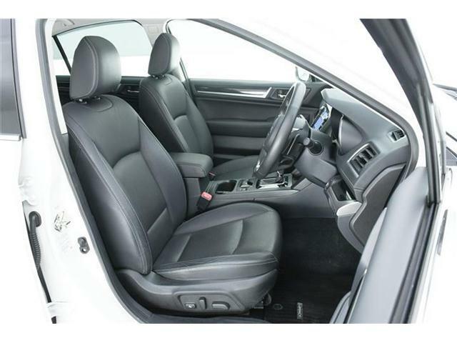 上級モデルの証【本革シート】運転席にはメモリー機能付き◎両側パワー&ヒーター搭載です!!