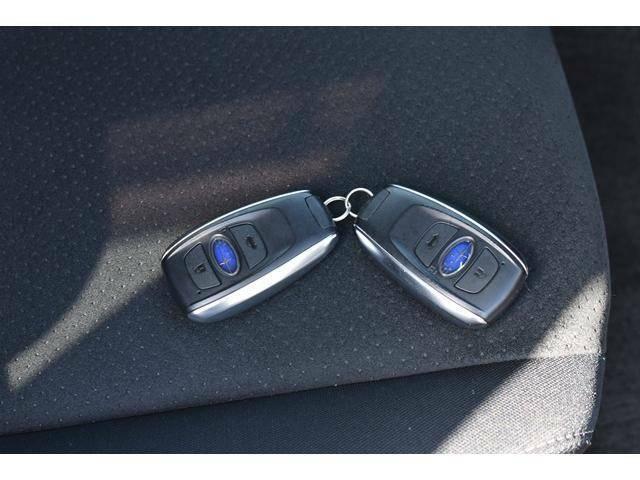 スマートキー付きなので、ドアロックや開閉も指1本でタッチするだけ!(鍵の空き閉めやキーレスボタンは使いません。鍵を指さずに、エンジンをかけるだけでOK!)