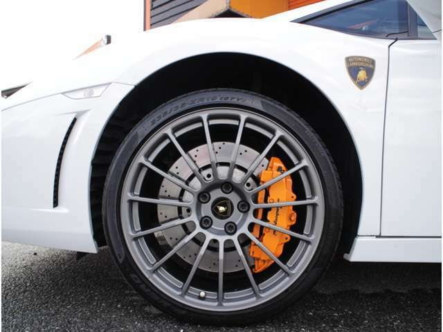 バルボニ鍛造19インチホイル付!ランボルギーニオレンジカラーBIGブレーキキャリパー!純正フロントリフティングシステム付!