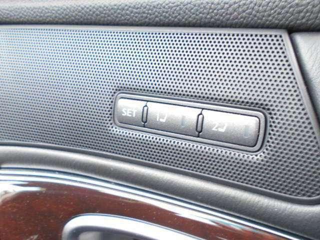 シートやステアリングのポジションを登録した位置にセットできるパーソナルドライビングポジションメモリーシステム