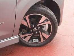 タイヤサイズは165/55R15です。日産純正ホイール付き♪